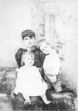 Frank Campbell's wife and children