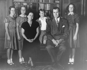 Tom and Barbara Chamberlain and family
